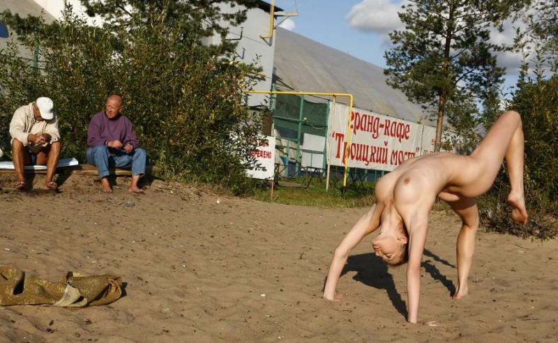 gymnast-girl-nude-in-public-14