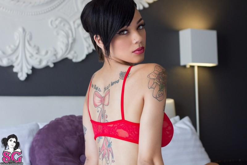 gypsyy-red-bra-bedroom-suicide-girls-03