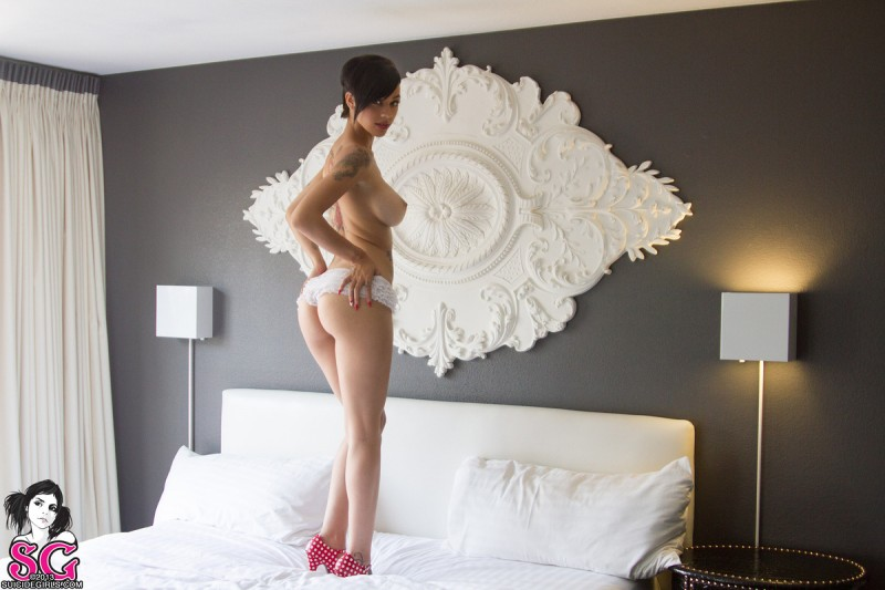 gypsyy-red-bra-bedroom-suicide-girls-16