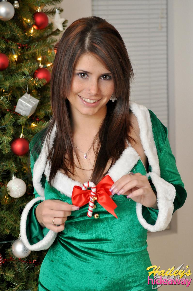 Santas xmas helper and pissslut - 3 4