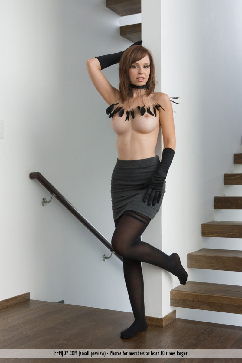 hayden-w-gloves-stockings-femjoy-01