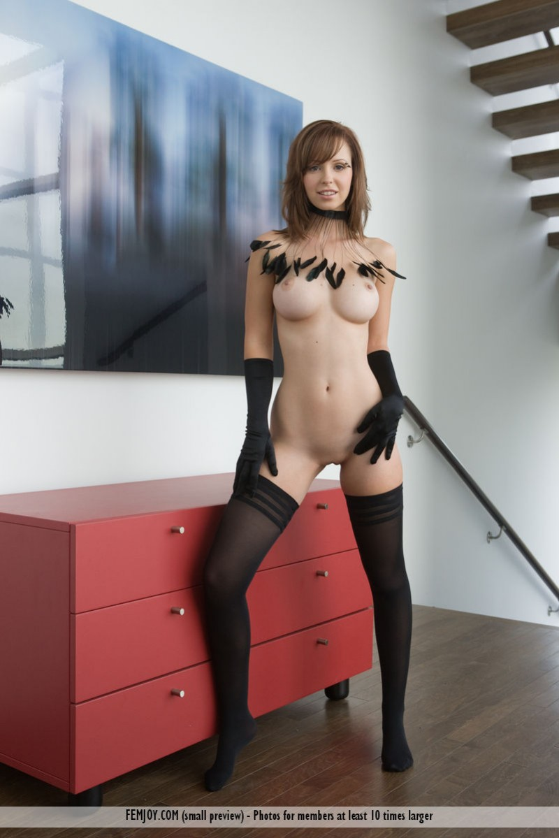 hayden-w-gloves-stockings-femjoy-10