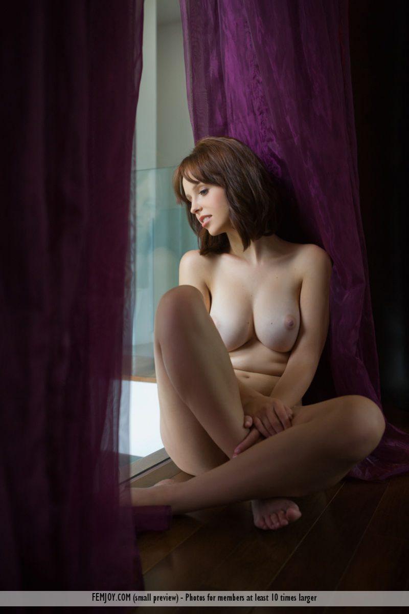 hayden-w-nude-home-femjoy-07