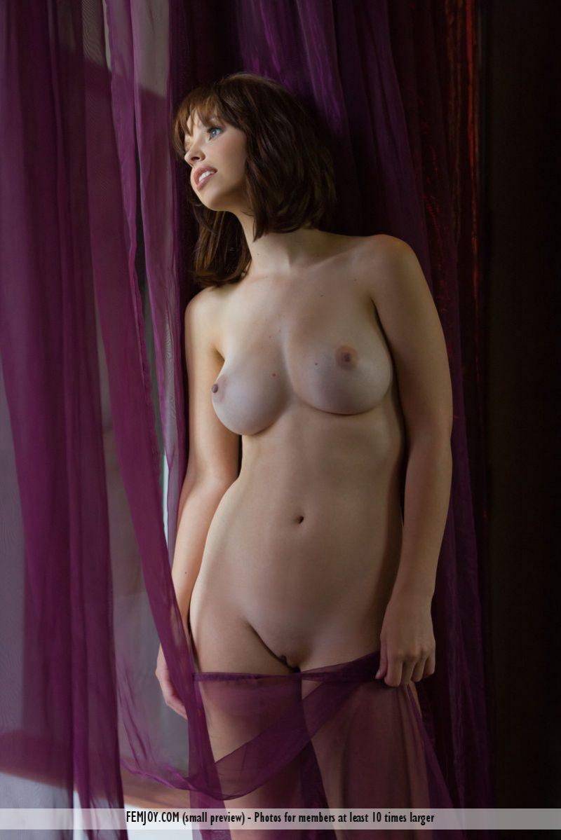 hayden-w-nude-home-femjoy-10