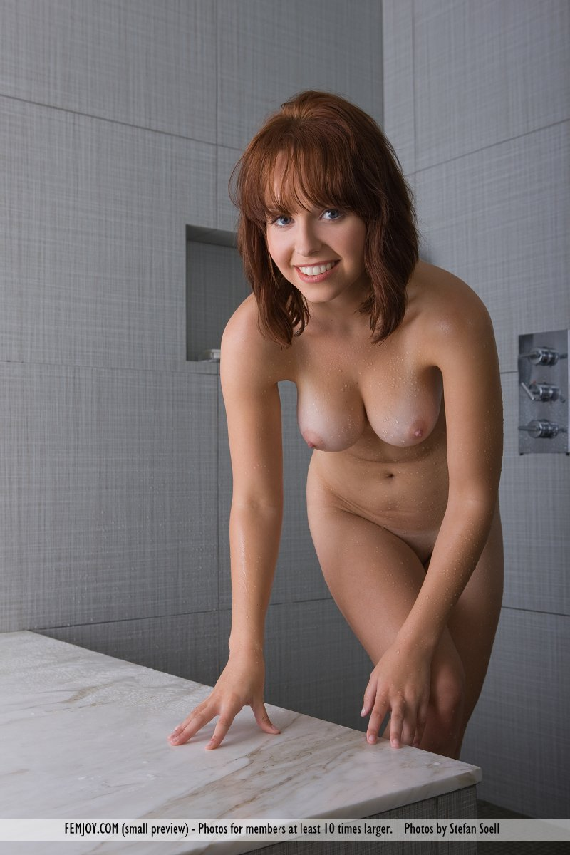 hayden-winters-shower-femjoy-01