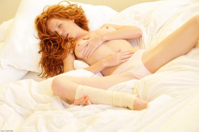 scarlett-redhead-nude-leg-warmers-xart-05