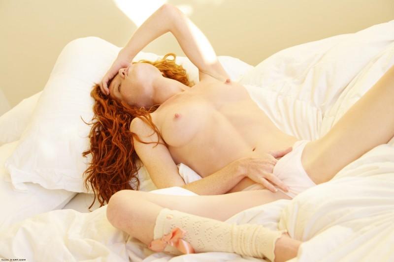 scarlett-redhead-nude-leg-warmers-xart-07