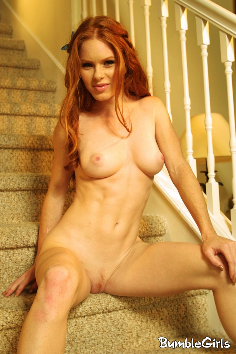 heather-christensen-stairs-redhead-nude-bumblegirls-14