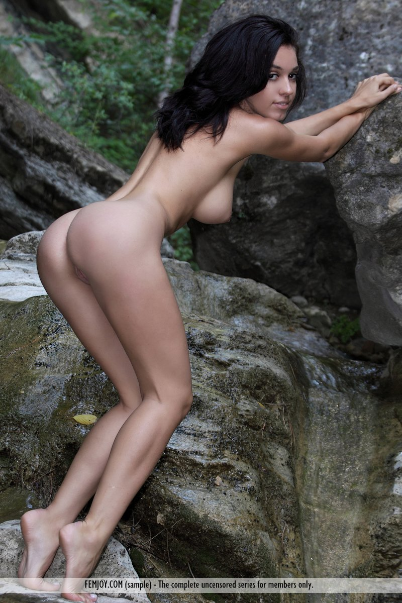 helen-waterfall-femjoy-10