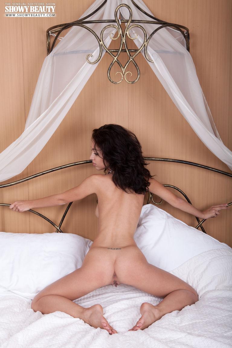 karen-bedroom-showbeauty-17