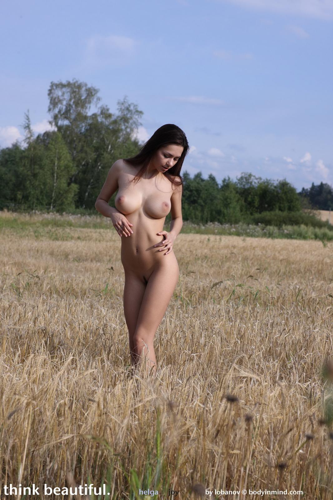 helga-boobs-nude-field-grain-bodyinmind-27