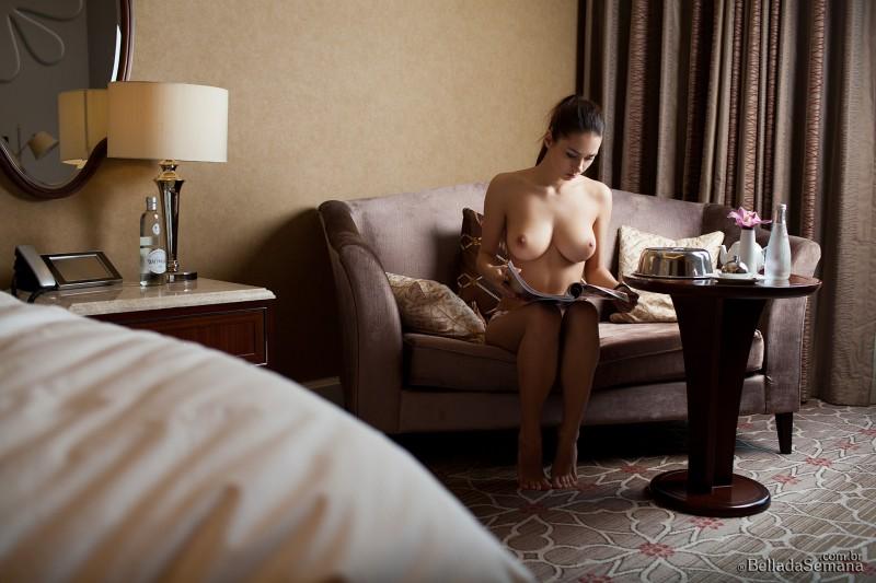 helga-lovekaty-nude-bella-da-semana-21