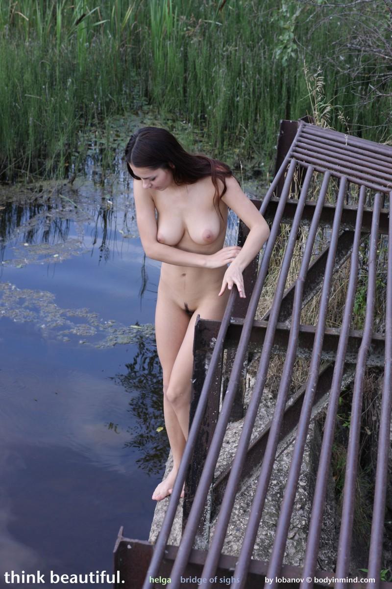 helga-boobs-shorts-naked-bodyinmind-22