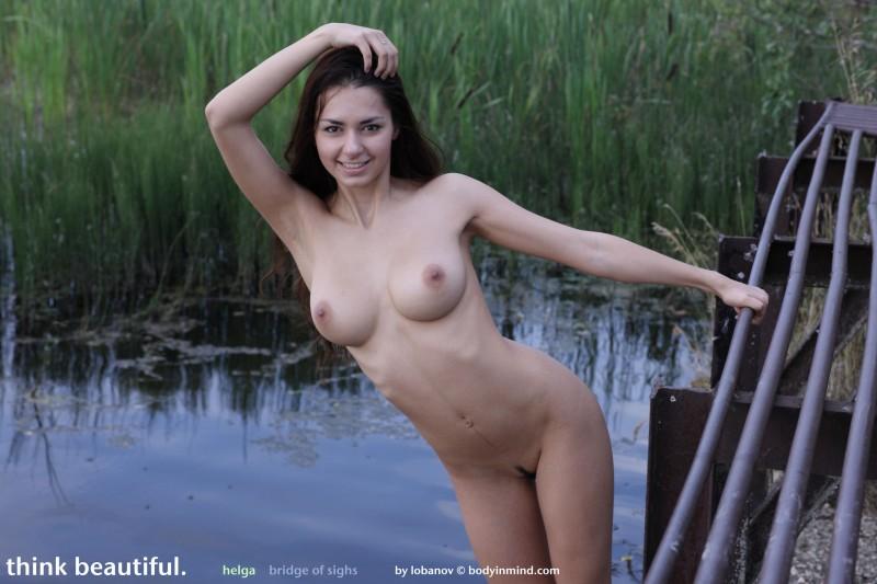 helga-boobs-shorts-naked-bodyinmind-24