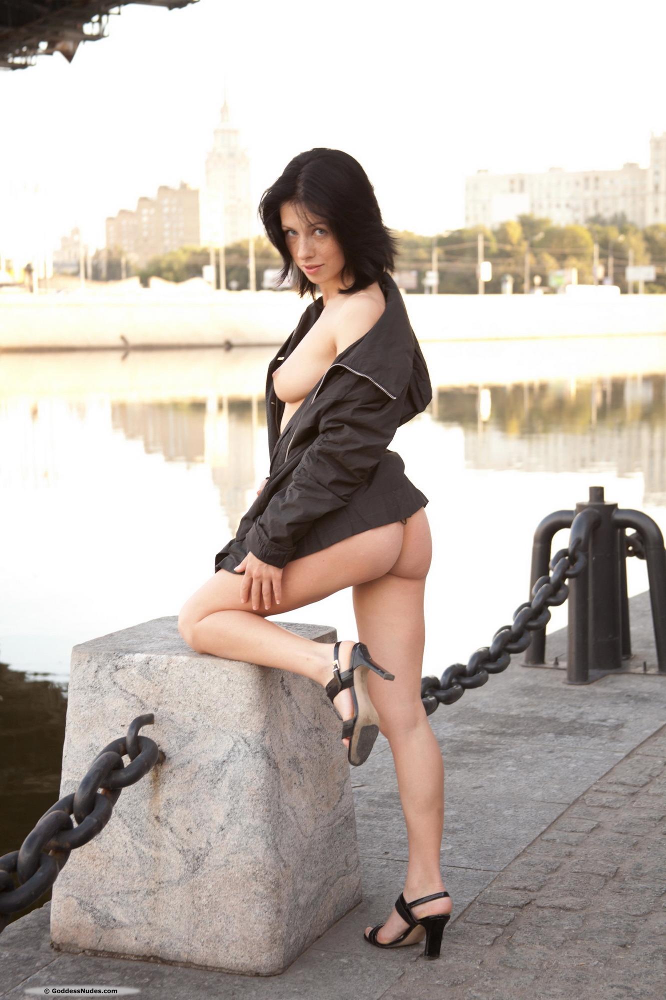 hellena-brunette-freckles-nude-moscow-goddessnudes-06