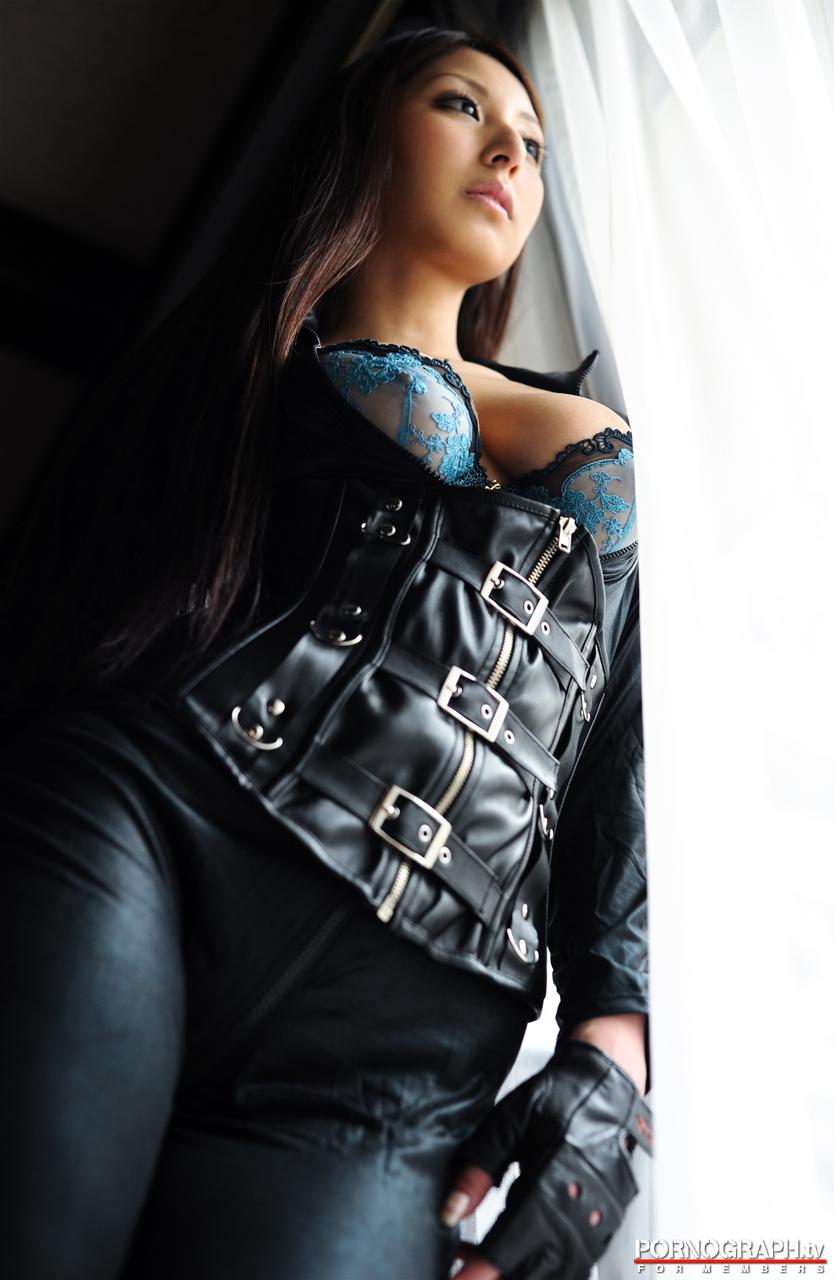 hina-akiyoshi-nude-guns-action-girl-pornographtv-07