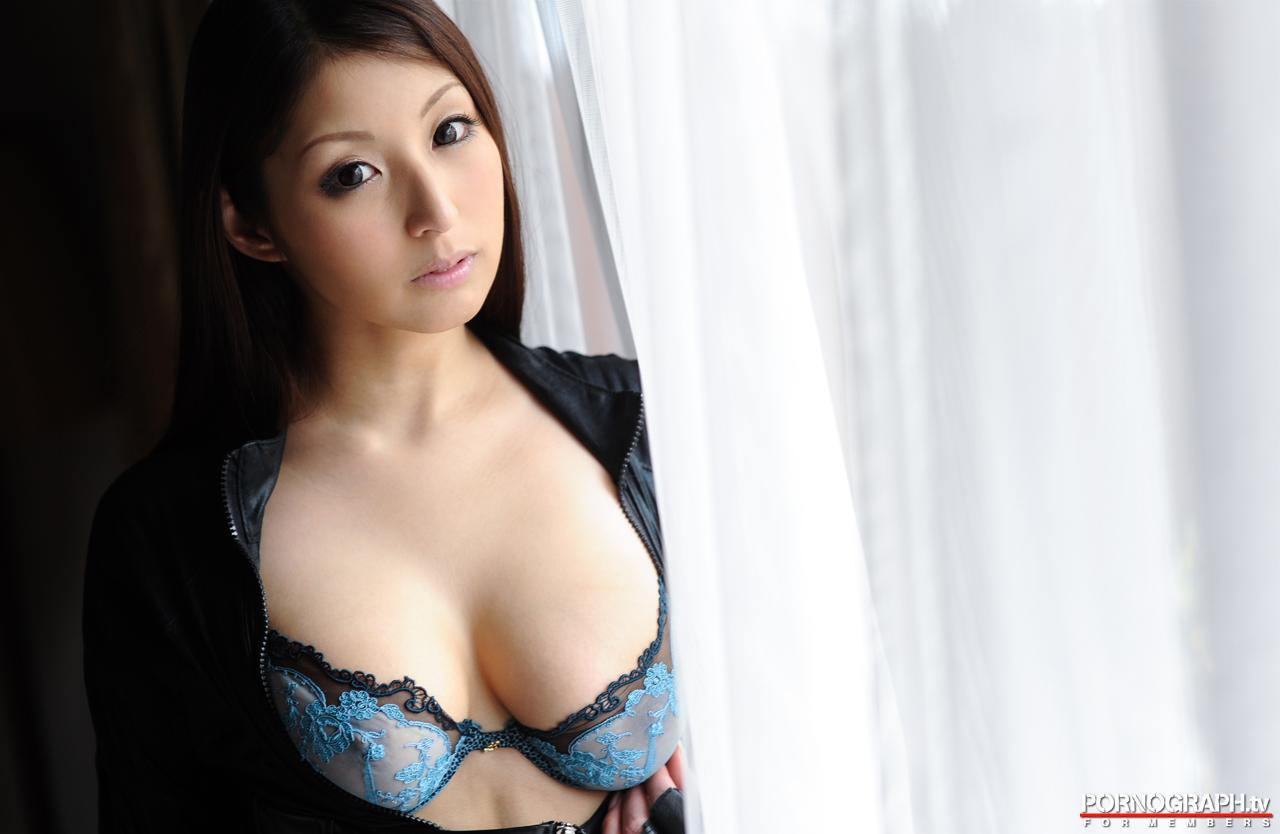 hina-akiyoshi-nude-guns-action-girl-pornographtv-08