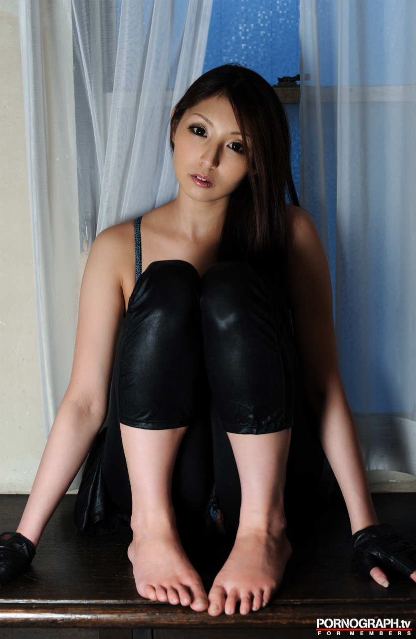 hina-akiyoshi-nude-guns-action-girl-pornographtv-14