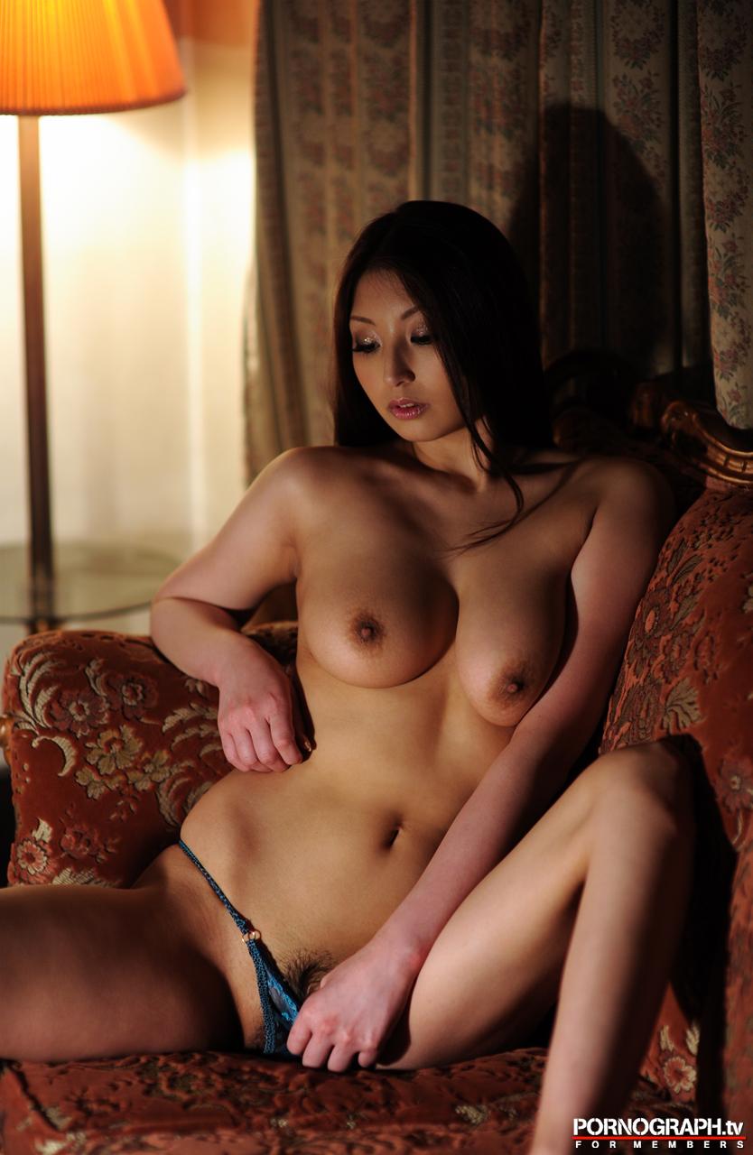 hina-akiyoshi-nude-guns-action-girl-pornographtv-21