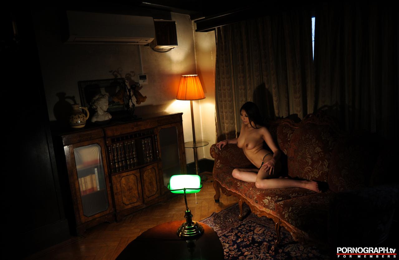 hina-akiyoshi-nude-guns-action-girl-pornographtv-22