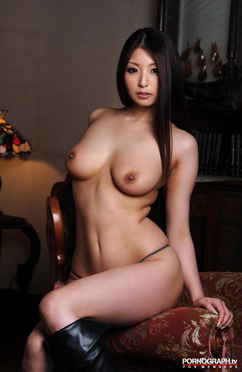 hina-akiyoshi-nude-guns-action-girl-pornographtv-29