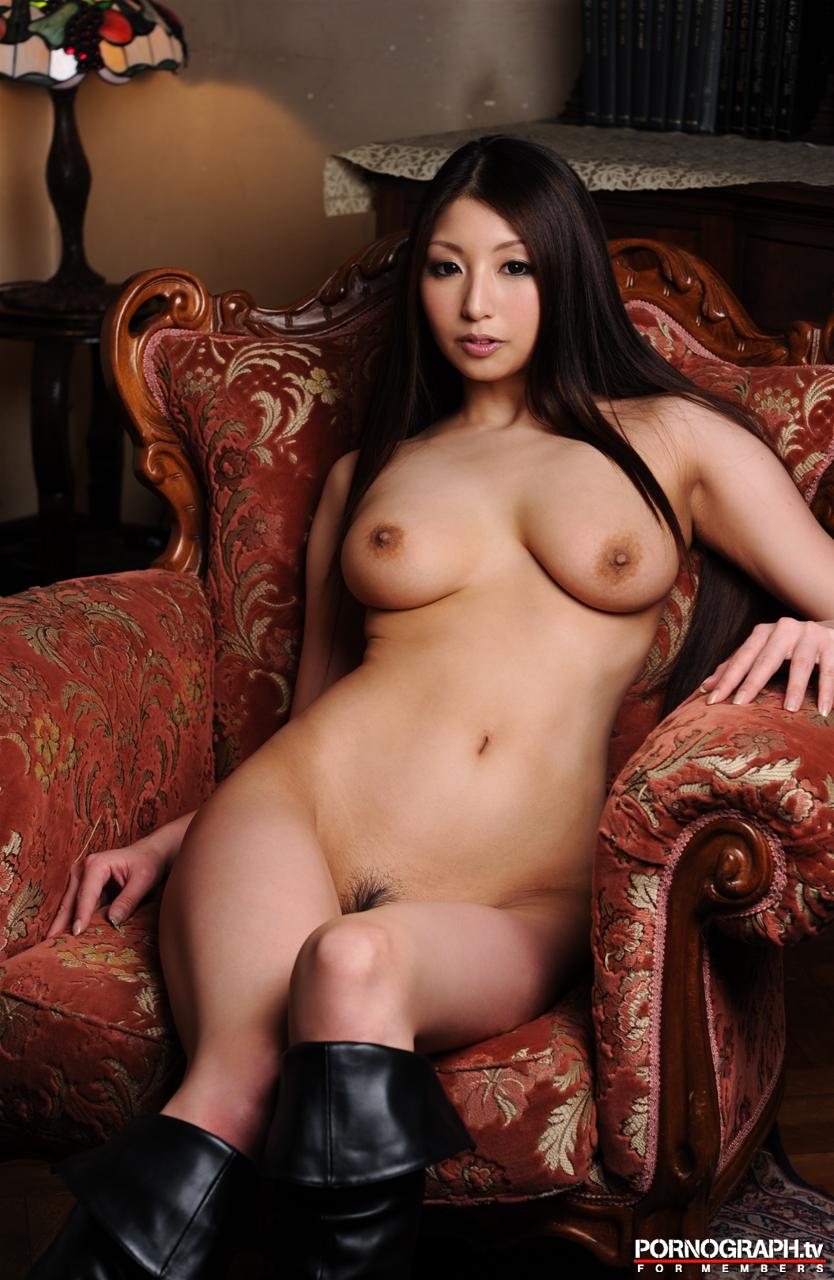 hina-akiyoshi-nude-guns-action-girl-pornographtv-31