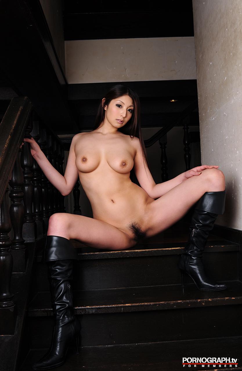 hina-akiyoshi-nude-guns-action-girl-pornographtv-33