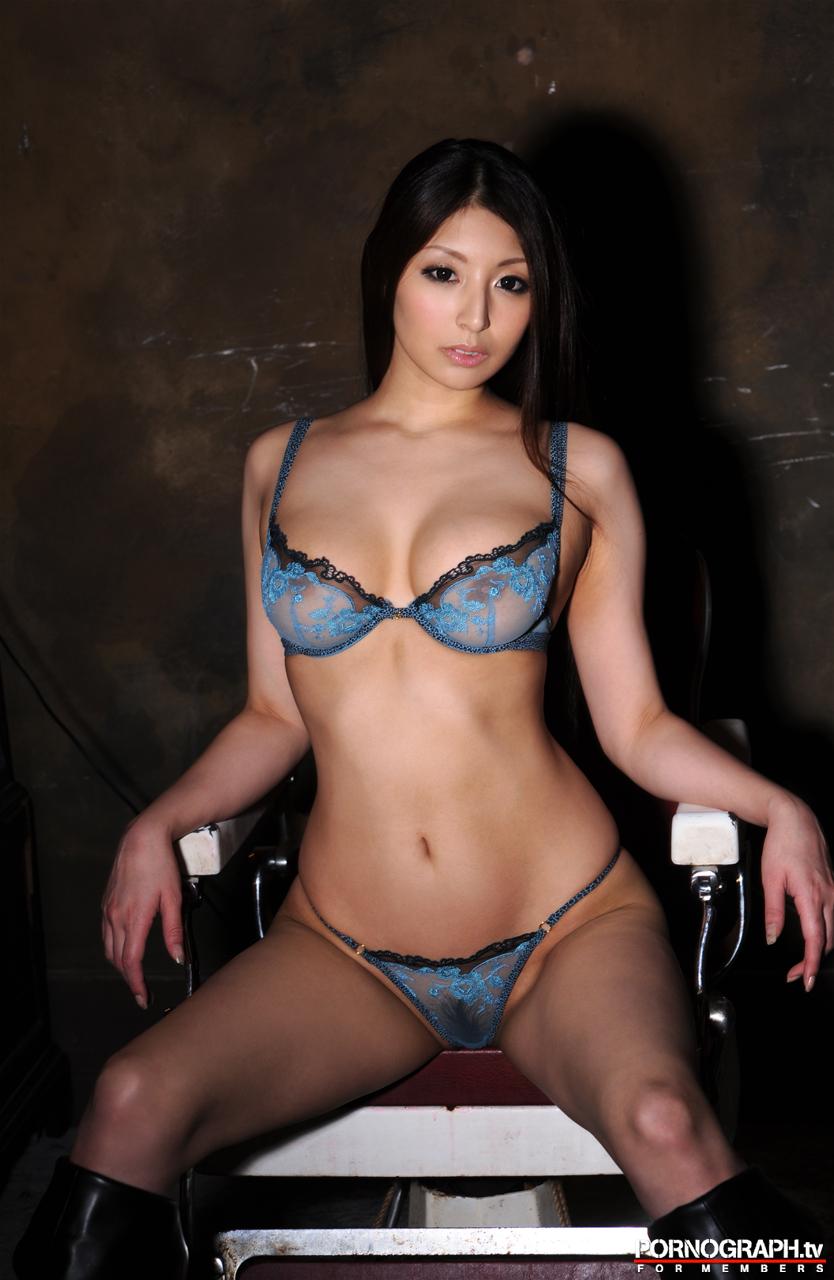 hina-akiyoshi-nude-guns-action-girl-pornographtv-34