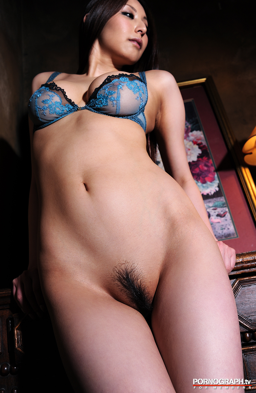 hina-akiyoshi-nude-guns-action-girl-pornographtv-38