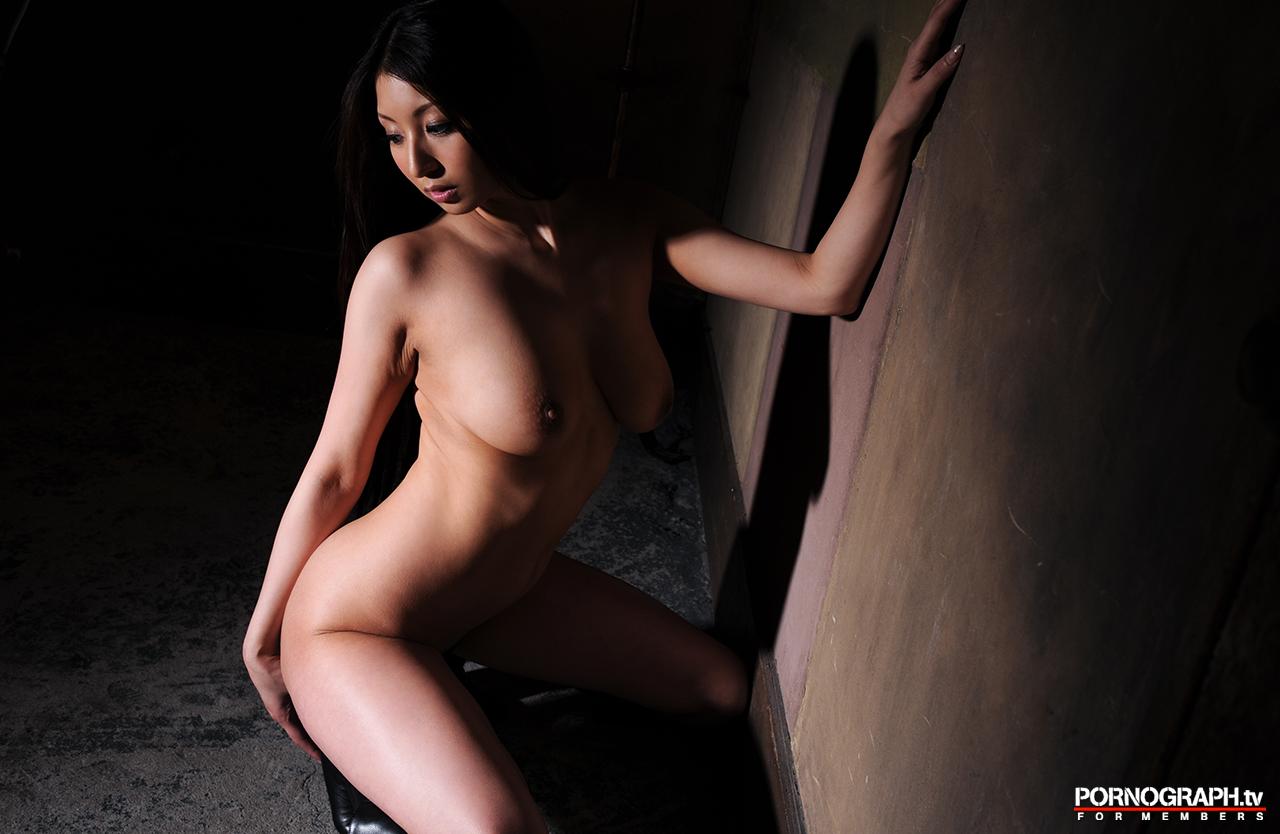hina-akiyoshi-nude-guns-action-girl-pornographtv-42