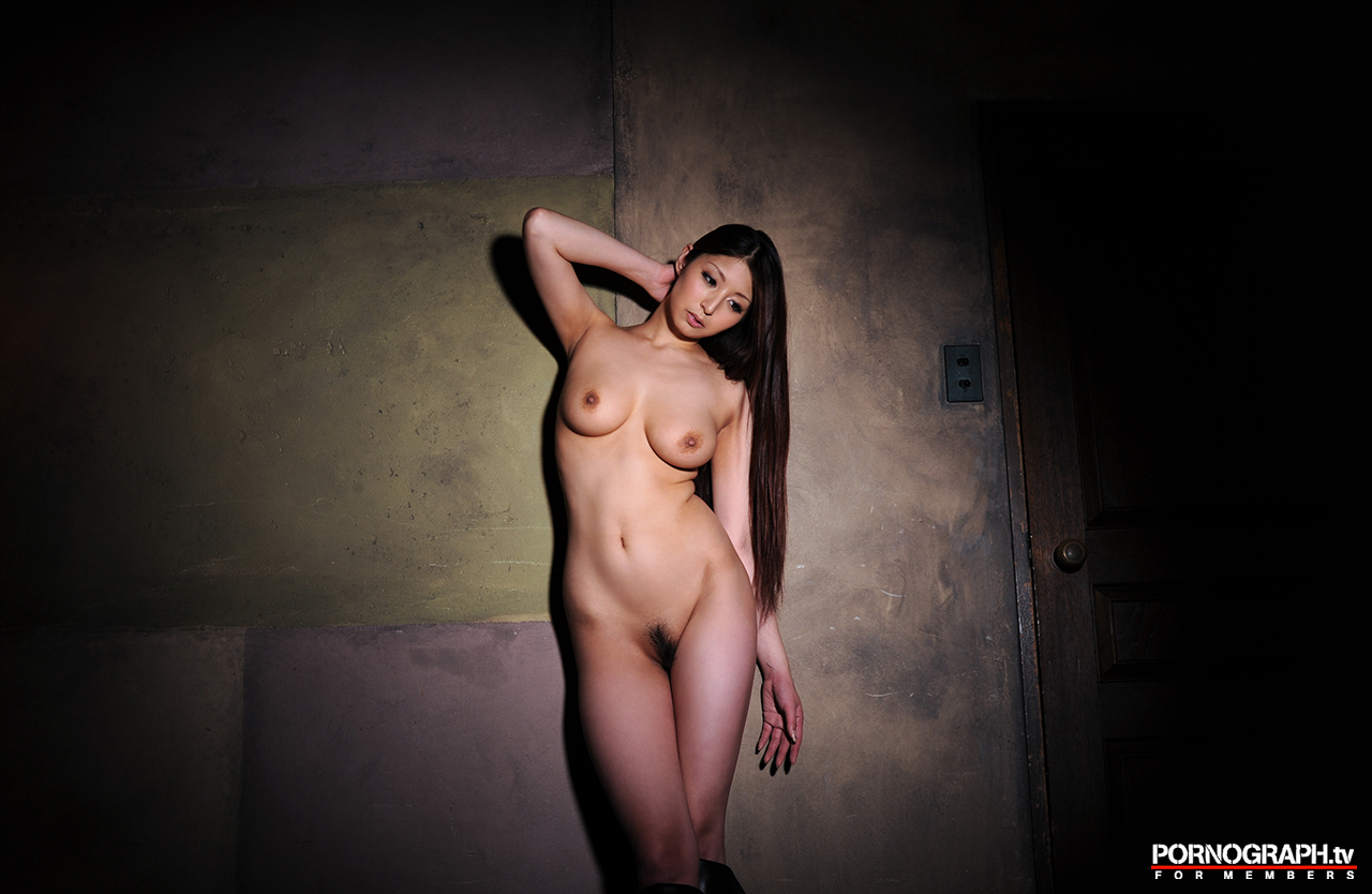 hina-akiyoshi-nude-guns-action-girl-pornographtv-43