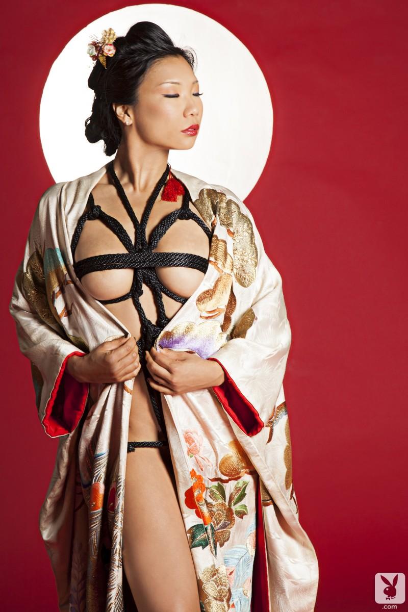 hiromi-oshima-bondage-playboy-06