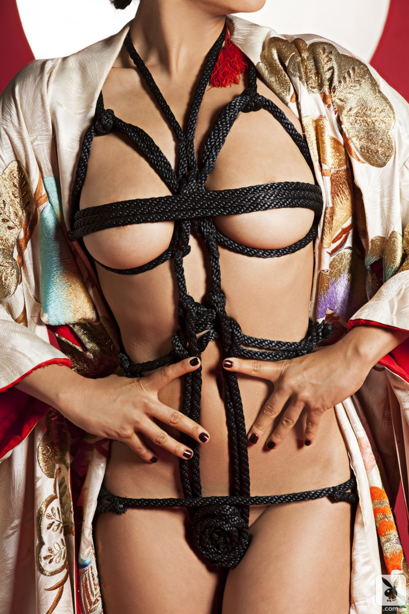 hiromi-oshima-bondage-playboy-07
