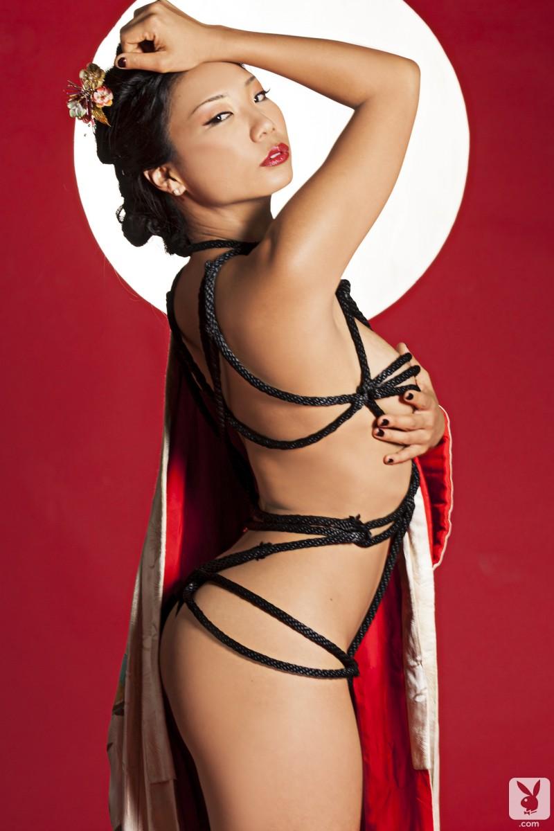 hiromi-oshima-bondage-playboy-13