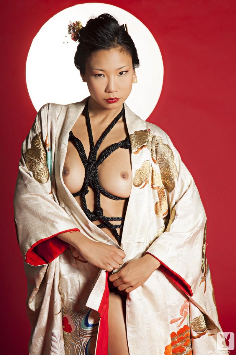 hiromi-oshima-bondage-playboy-14