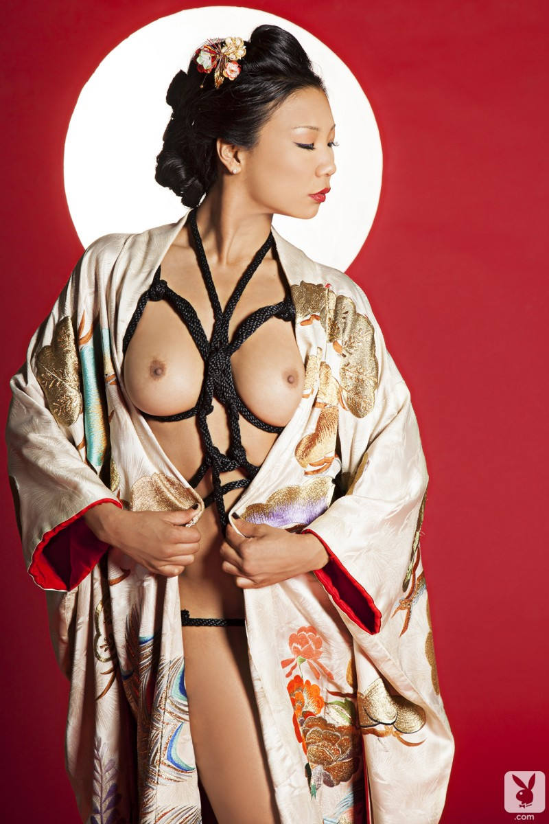 hiromi-oshima-bondage-playboy-16