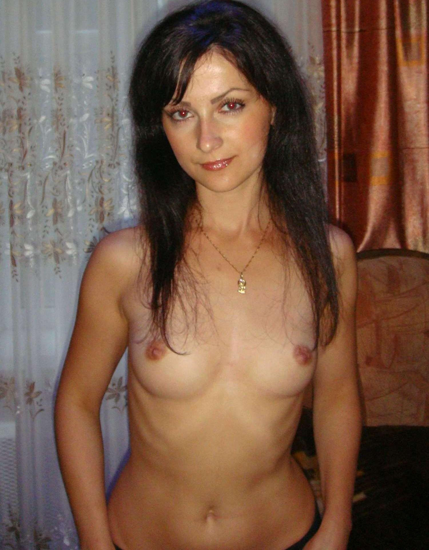 brunette-amateur-nude-milf-24
