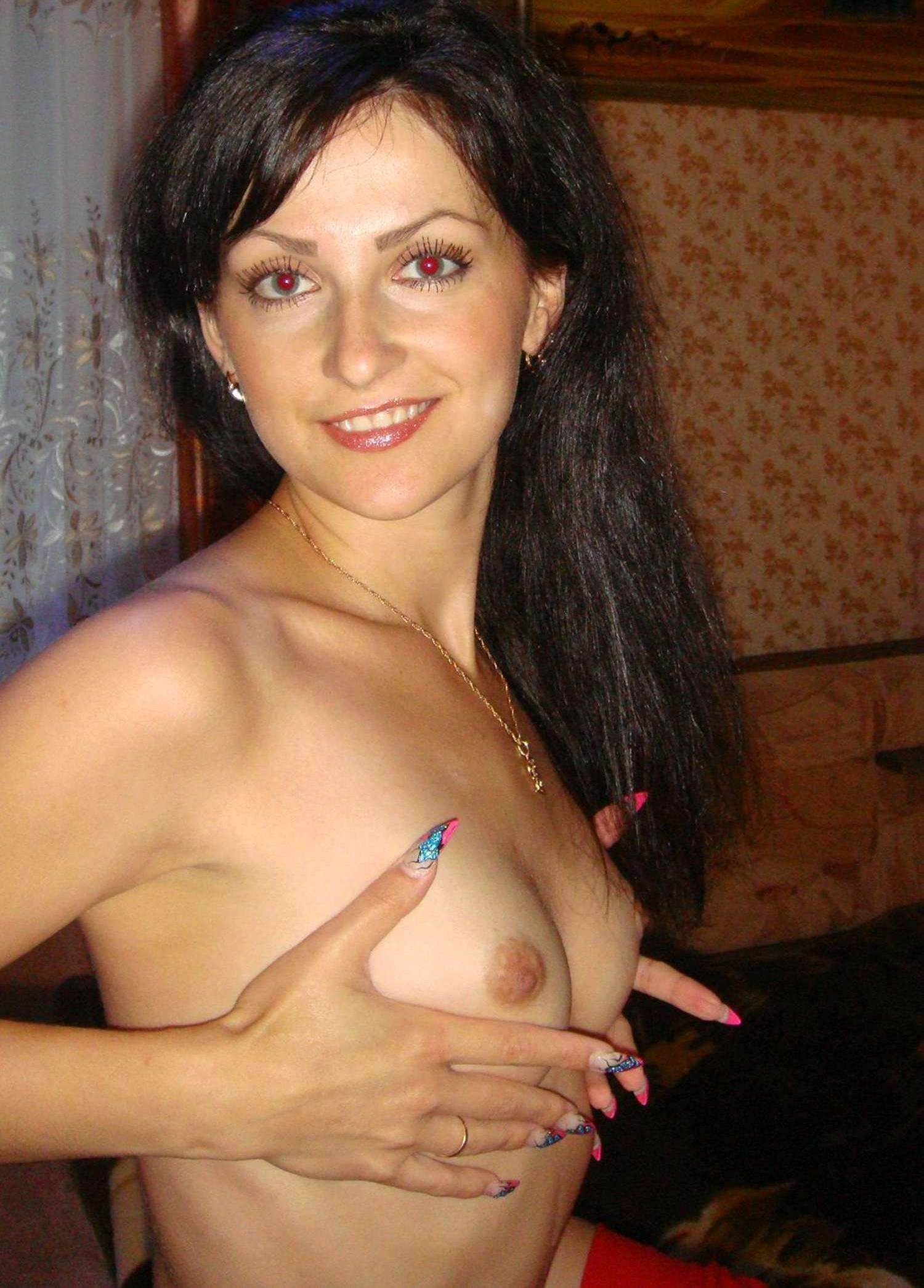 brunette-amateur-nude-milf-37
