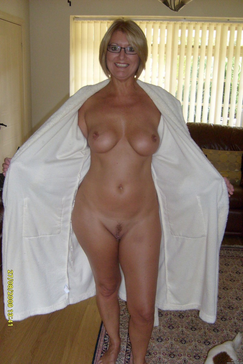 42 year old soccer mom with big tits fucks a dildo 5