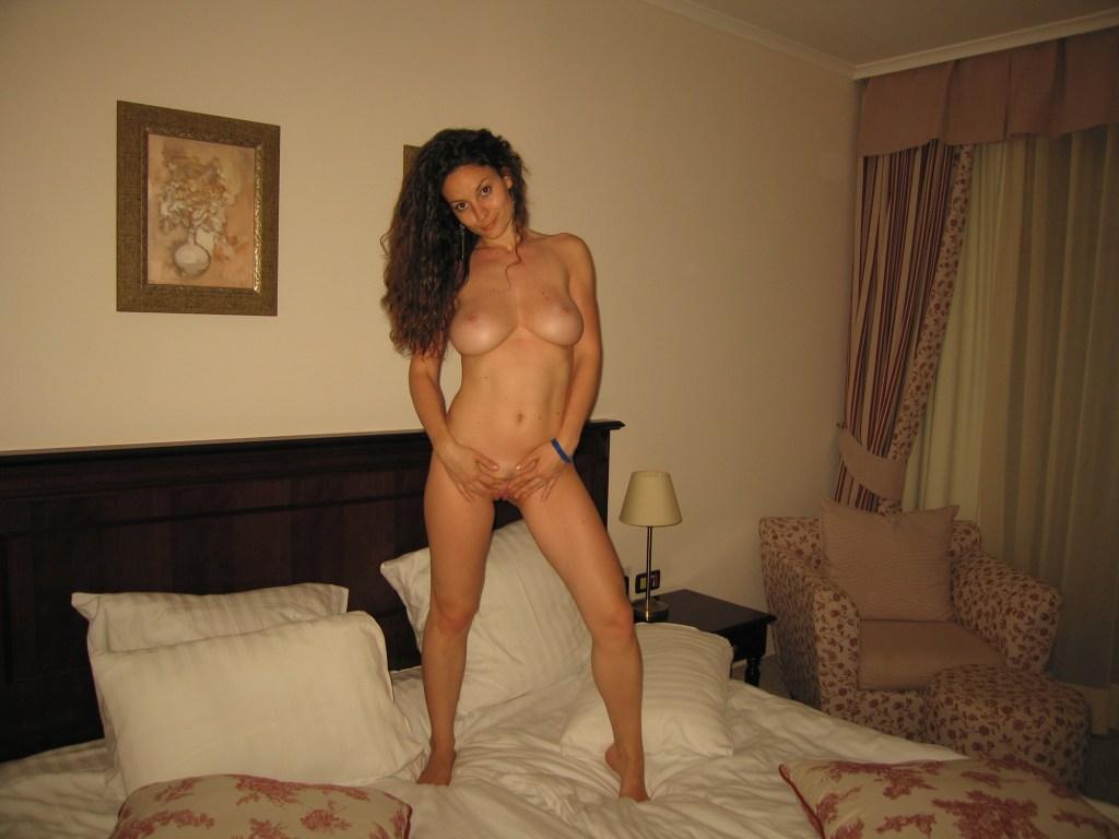 skinny-busty-amateur-milf-nude-boobs-11