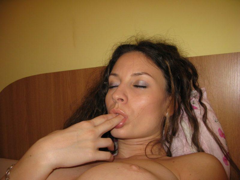skinny-busty-amateur-milf-nude-boobs-24
