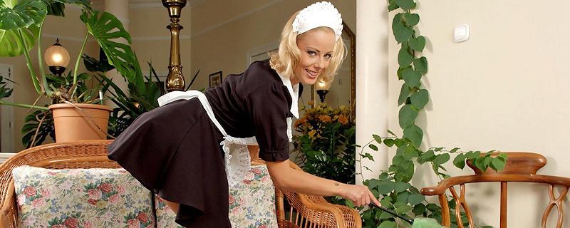 Mia Stone – Housemaid
