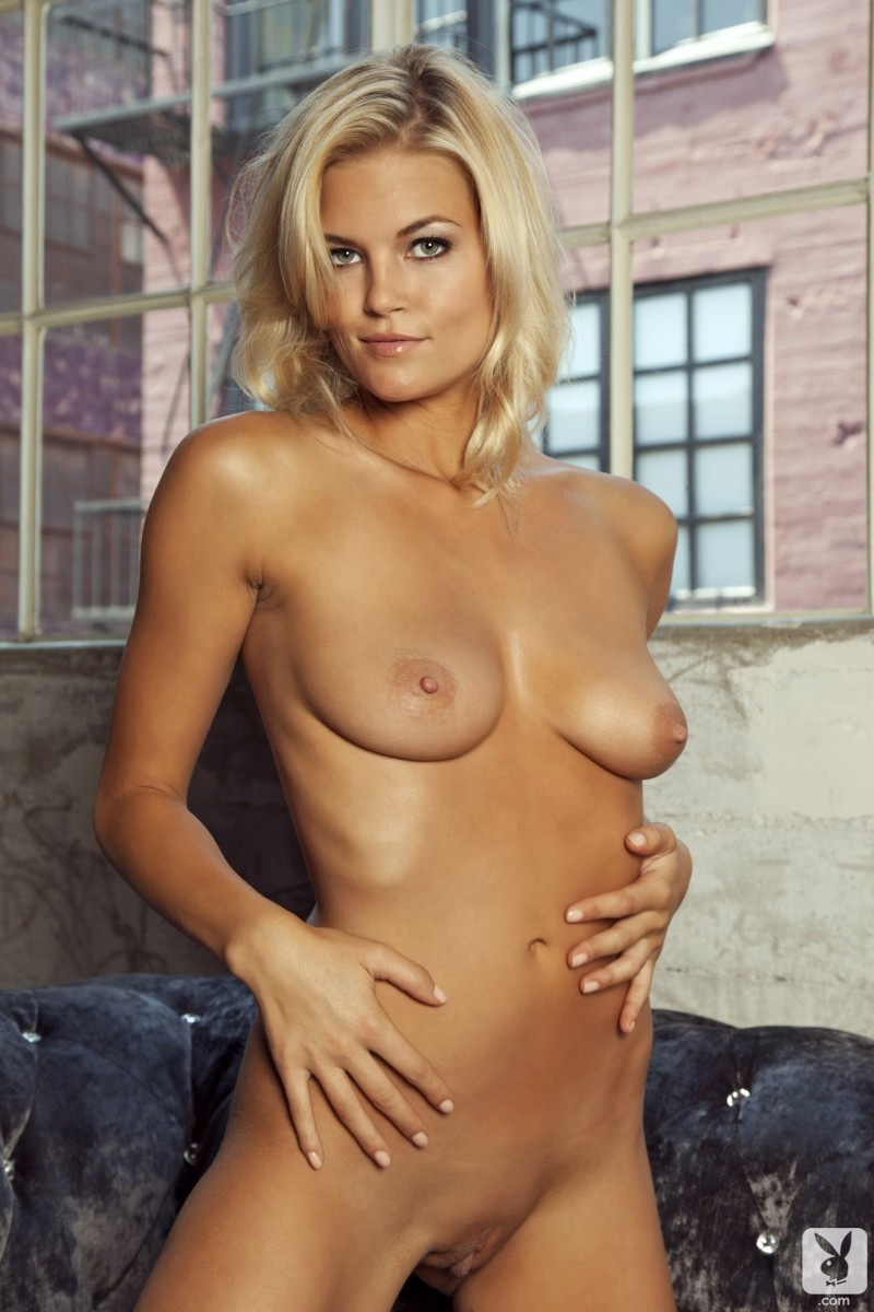 hunter-mccloud-amateur-playboy-18