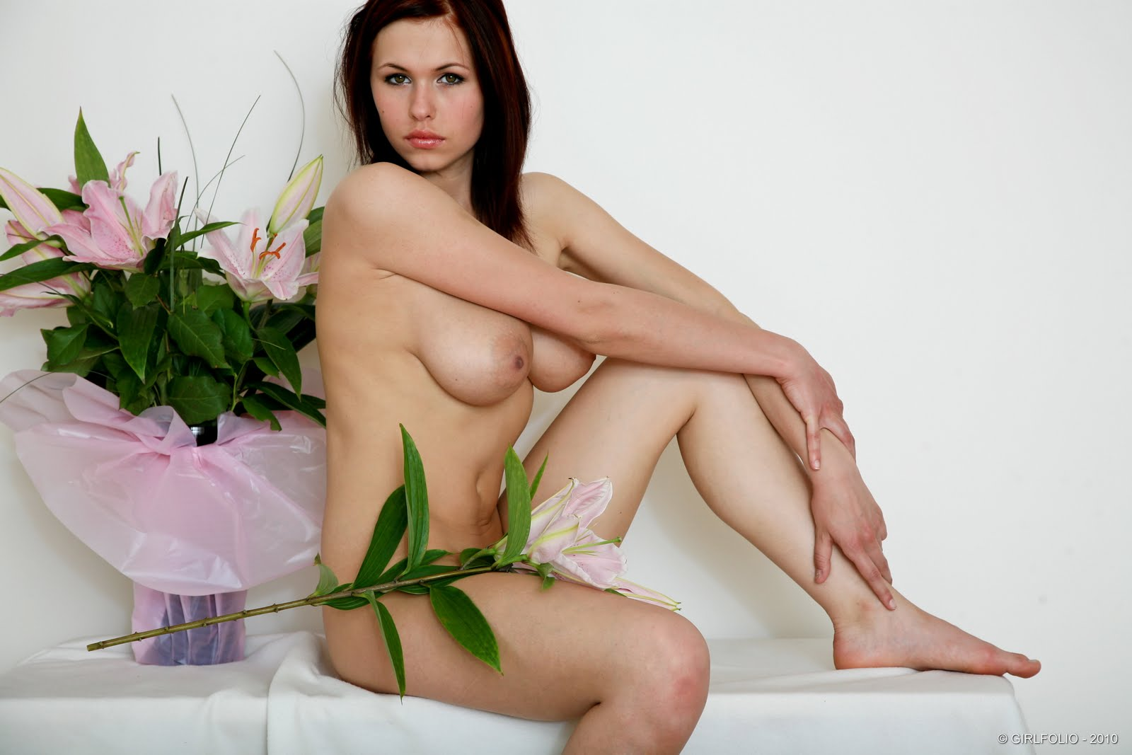 Eve wyrwal flowers 31 RedBust