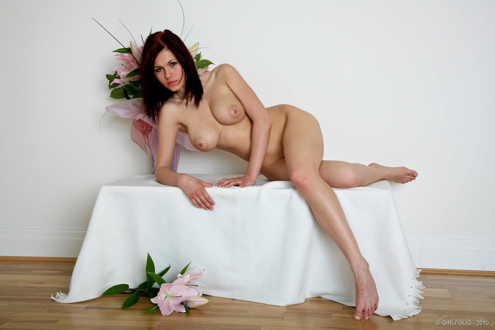 Eve wyrwal flowers 49 RedBust