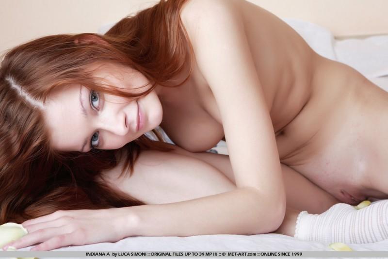 indiana-a-nude-socks-redhead-metart-05