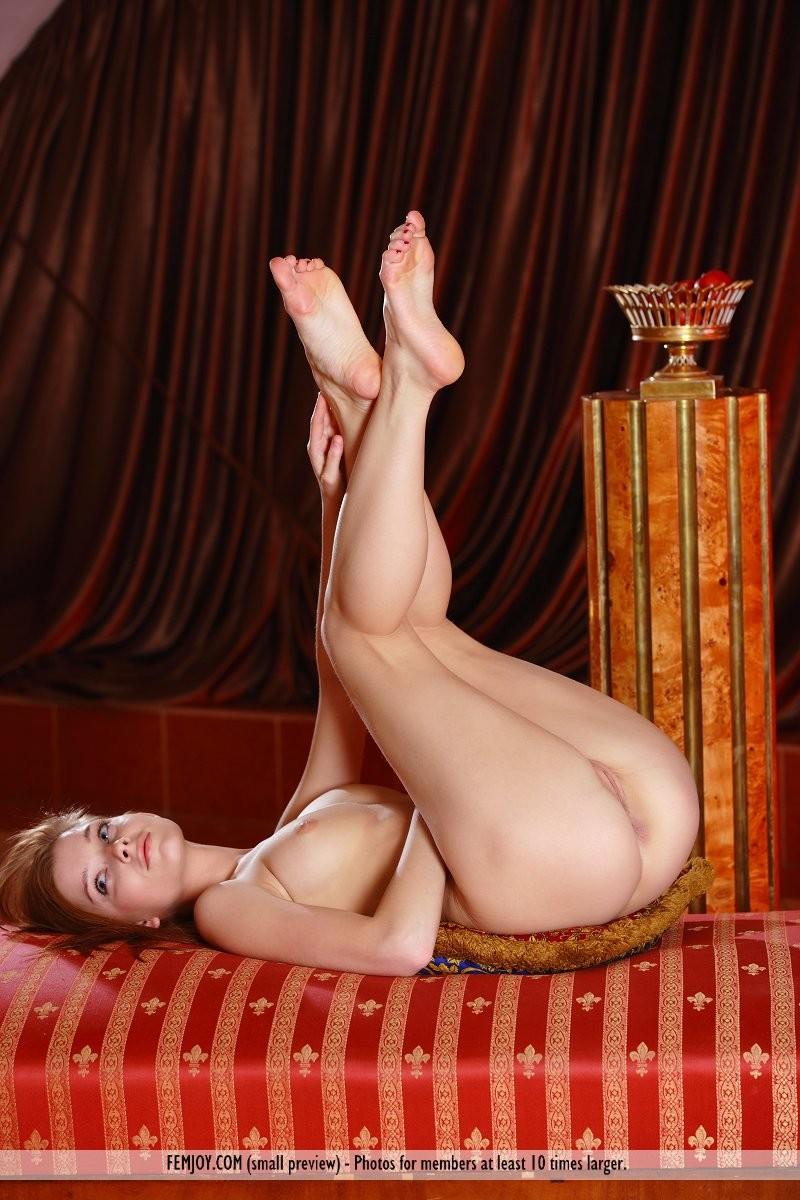 angelina-b-chaise-longue-nude-femjoy-11