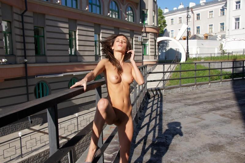 irina-k-naked-in-public-russia-kazan-07