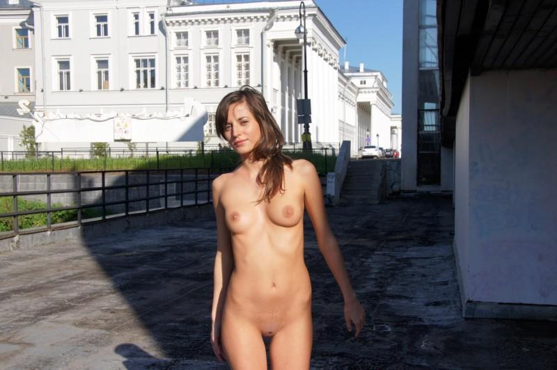 irina-k-naked-in-public-russia-kazan-12