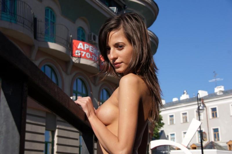 irina-k-naked-in-public-russia-kazan-17